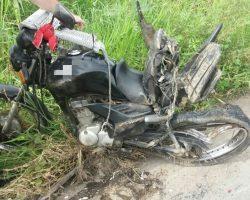 Acidente entre caminhão e moto deixa um ferido na BR 232, no Grande Recife