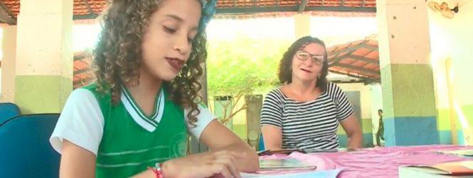 Com 10 anos, estudante de Teresina já leu quase 400 livros e vira escritora