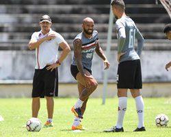 Tiago Costa e Sandro seguem no DM e podem desfalcar novamente o Santa Cruz