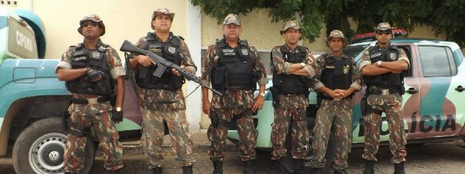 Polícia apreende mais de 130 aves em feira livre na Zona da Mata de Pernambuco