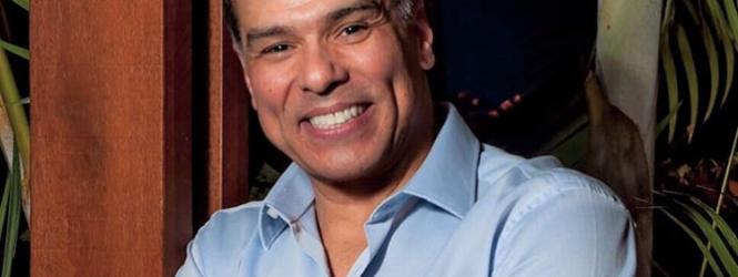 Ator Maurício Mattar sofre infarto e é internado em hospital