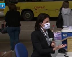 Repórter da Record faz teste de Covid-19 ao vivo e resultado dá positivo