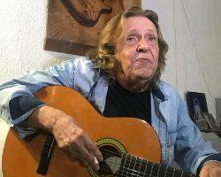 Morre Renato Barros, líder da banda 'Renato e Seus Blues Caps'