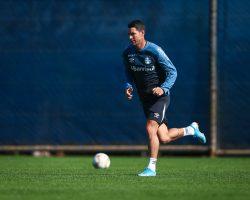 Sport encaminha contratação do meia Thiago Neves