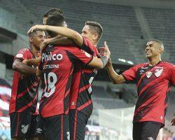 Sport perde para o Athletico-PR na despedida da Série A e fica fora da Sul-Americana